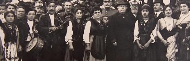 Manolo Rivas con la Infanta Isabel, Llanes, 1914