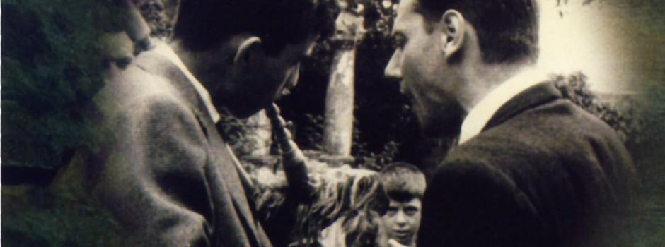 Juan Uría Maqua cantando a la gaita